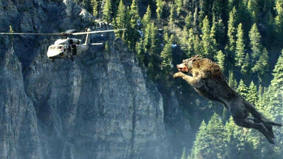 Giant Wolf Attack Scene – Wolf vs Helicopter